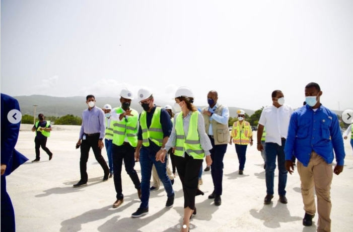 Vicepresidenta visita puerto de Barahona junto al director de Autoridad Portuaria; destaca su potencial para el desarrollo región Sur